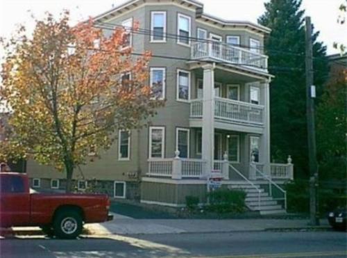 253 Boston Ave 3 Photo 1