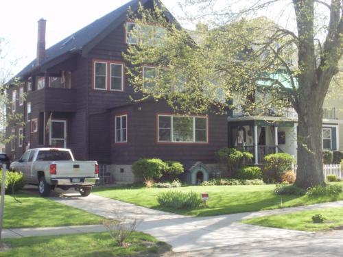 601 Crescent Avenue #UPPER Photo 1