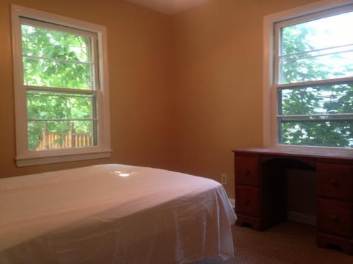 4 bed, 1.5 bath, 1248 sqft, $1,020 Photo 1