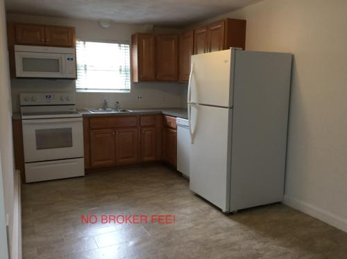 Heat Included- No Fee! 435 Photo 1