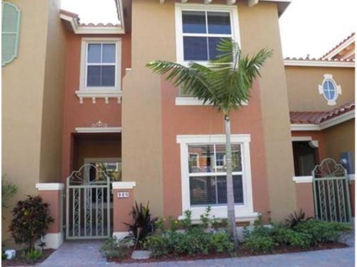 SW 144 Avenue Pembroke Pines Florida Photo 1