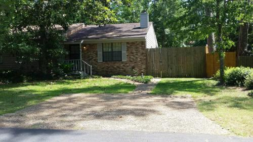 104 Parkbrook Circle Photo 1