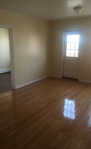 3 bed, 1000 sqft, $2,000 3 Photo 1