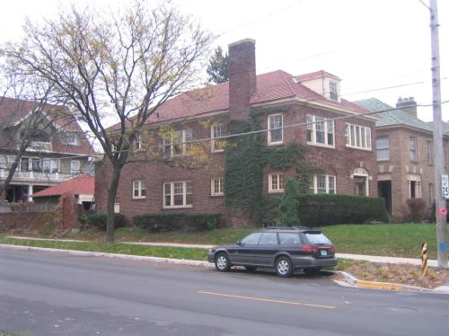 400 Morris Ave SE 1 Photo 1