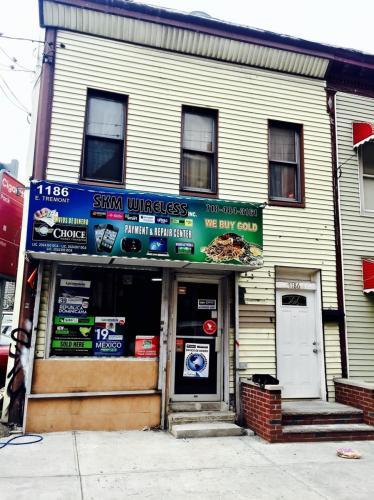 1186 E Tremont Ave STORE Photo 1