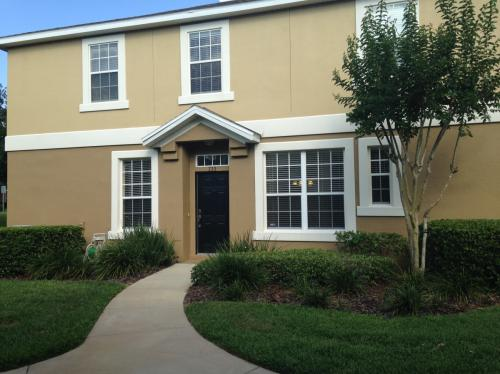 733 Ashworth Overlook Dr TOWNHOME Photo 1