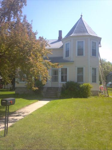414 5th Street NE #SFD Photo 1