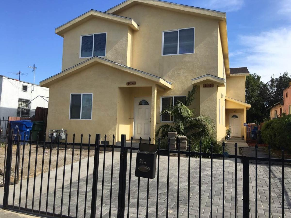 916 E 84th Place, Los Angeles, CA 90001 | HotPads