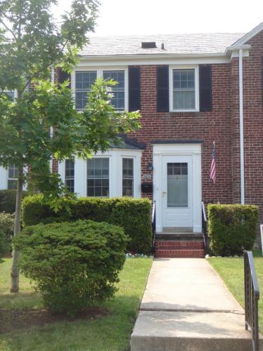 7011 Heathfield Rd TOWNHOUSE Photo 1