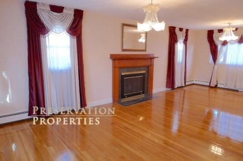 4+ Bed Single Family Home In Watertown. Availab... Photo 1