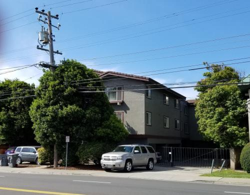 1111 Mission Rd 11 Photo 1