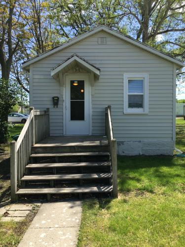 703 Prairie St Photo 1