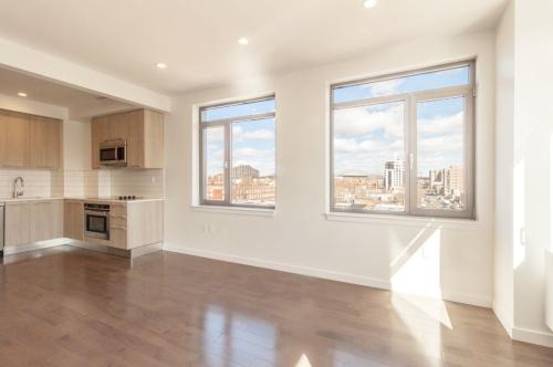 2 bed, $3,700 Photo 1