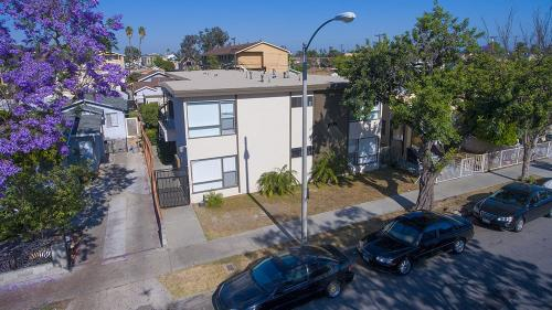 1070 Stanley Ave Photo 1