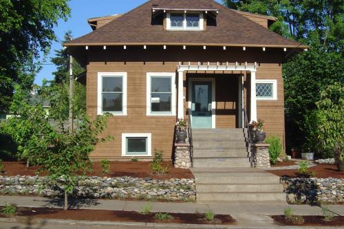 5337 NE 33rd Ave Photo 1