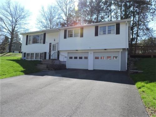 Nice house 1 mile from UMO campus. Photo 1