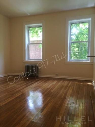 Cozy Studio in Jackson Heights: Renovated, Open... Photo 1