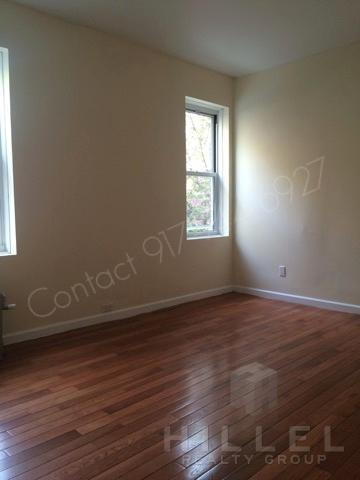 Beautiful 2 Bed in Jackson Heights: Landmark Bu... Photo 1