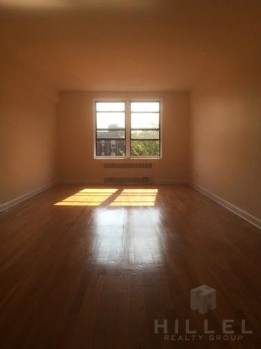 Stunning, Sunny Studio in Jackson Heights: Near... 5G Photo 1