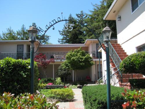 35 S Magnolia Ave 11 Photo 1