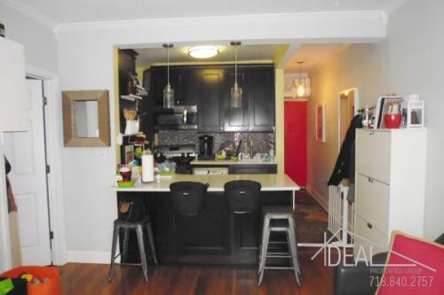 345 Bedford Ave Photo 1