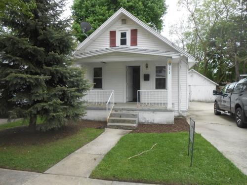 911 Gordon Ave Photo 1