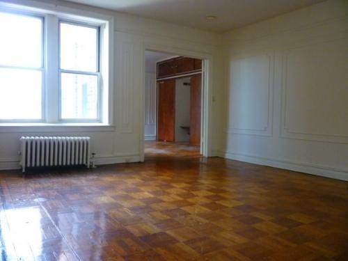 Spacious 2 Bedroom In Borough Park Brooklyn 409 Photo 1