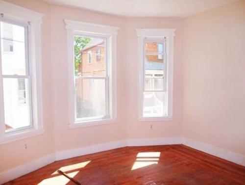 Gorgeous 2 Bedroom near Tufts Photo 1