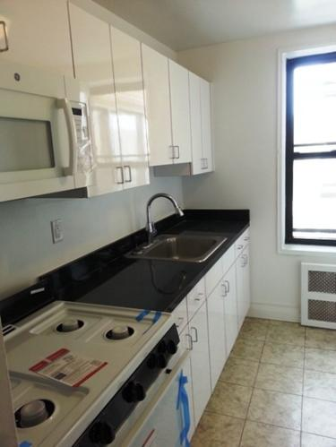 Renovated Studio W/ Updated Kitchen Appliances.... Photo 1