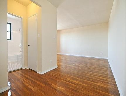 Great 1 Bed Apt Briarwood $1850 5 Photo 1