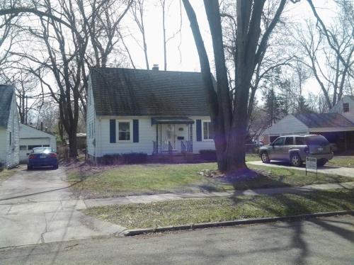 566 S Park Boulevard Photo 1
