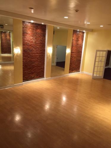 Studio, 1500 sqft, $1,650 3 Photo 1