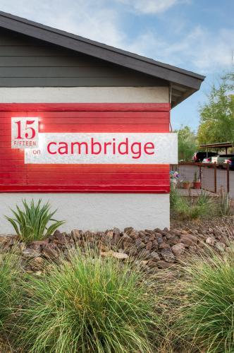 1632 E Cambridge Ave 10 Photo 1