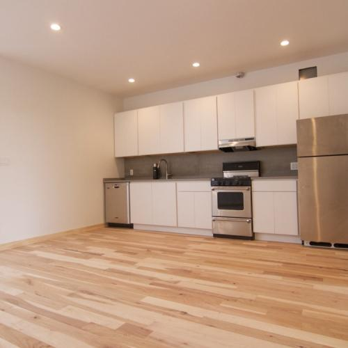 3 BR, New Renovations, In Unit Laundry Photo 1
