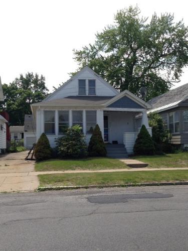 980 Vischer Avenue Photo 1