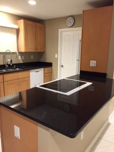 *Amazing 3BR House, Beautiful Kitchen & Bathroo... Photo 1