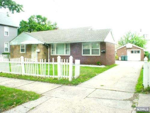 Brick Ranch for Rent in Kearny Photo 1