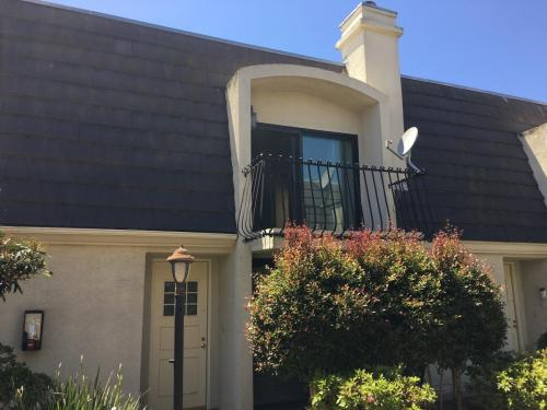 8135 Redlands Street Photo 1