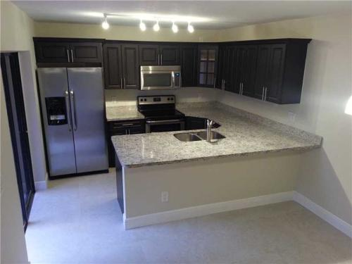 Beautifully remodeled 2-story home w/ fenced co... Photo 1