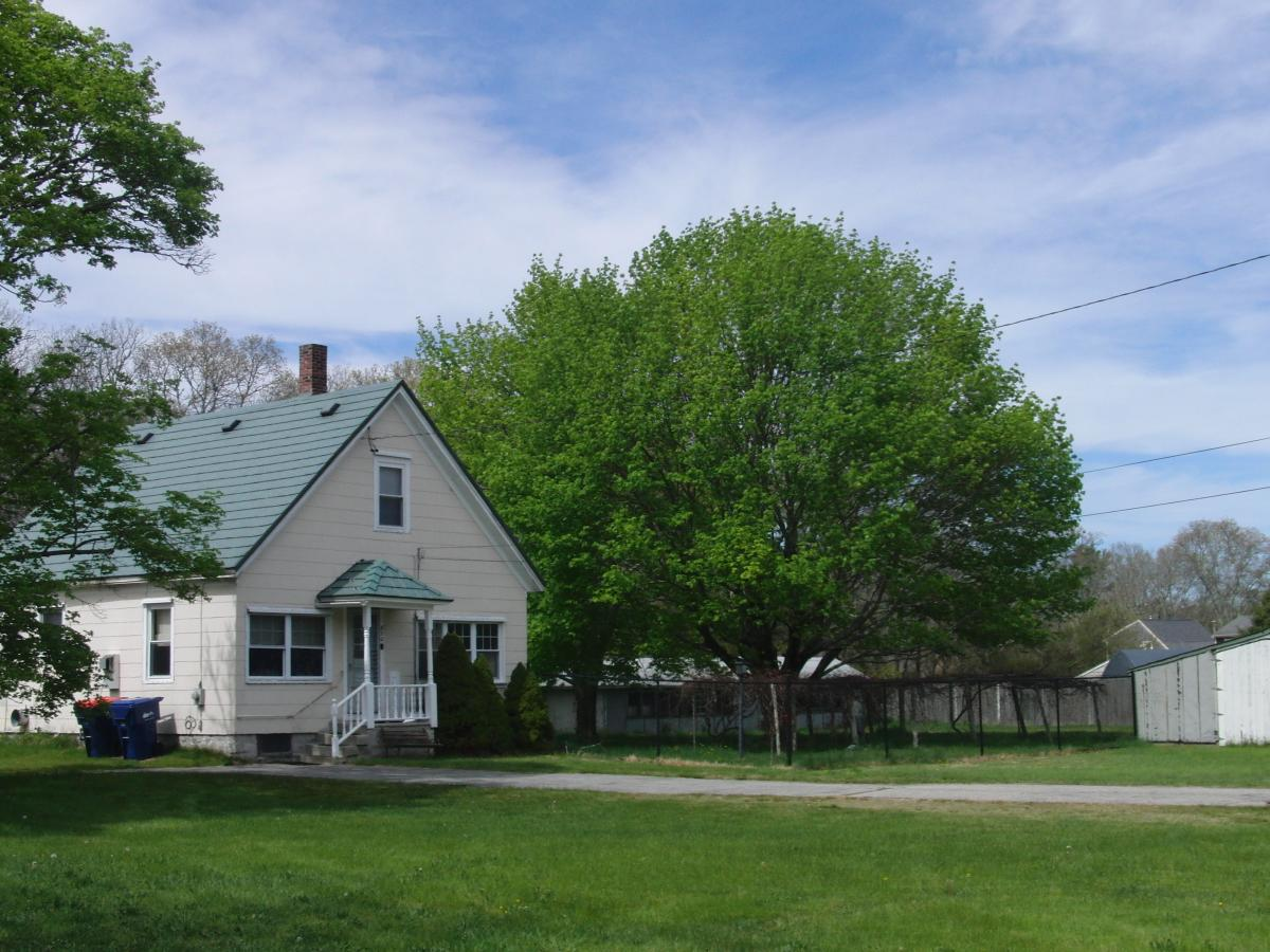 Prime 820 Old County Road Apt Farmhouse Westport Ma 02790 Hotpads Download Free Architecture Designs Grimeyleaguecom