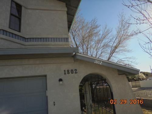 1802 Davis Ave Photo 1