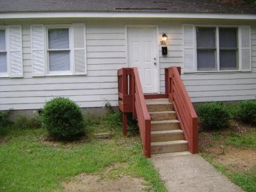 638 N Taylor Street Photo 1