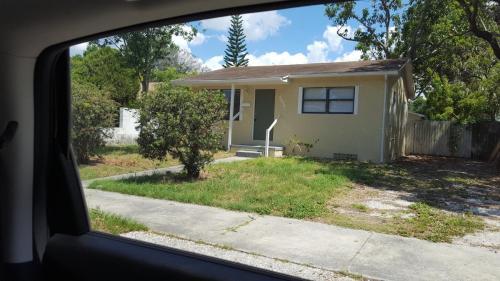 4675 19th Avenue S Photo 1