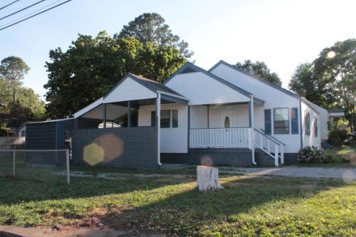 3901 Pine Avenue SW #HOUSE Photo 1