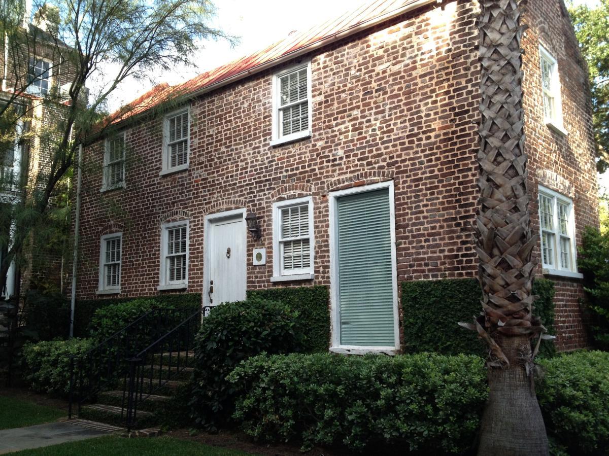 Groovy 29 Charlotte Street Apt Carriage Hou Charleston Sc 29403 Download Free Architecture Designs Itiscsunscenecom