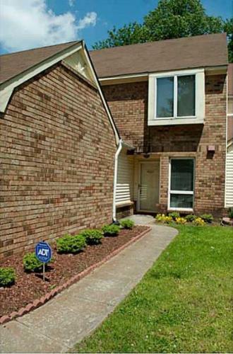 4002 Oak Moss Court #TOWN HOME Photo 1