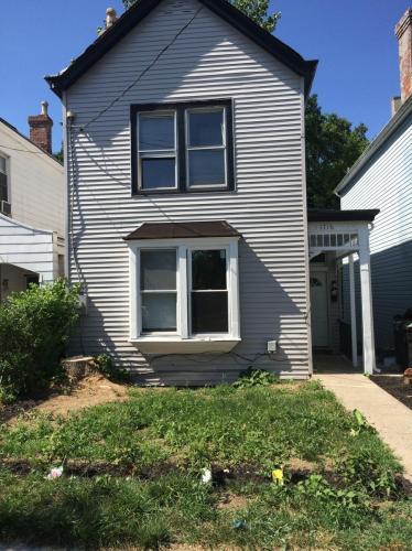 1716 Brewster Avenue Photo 1