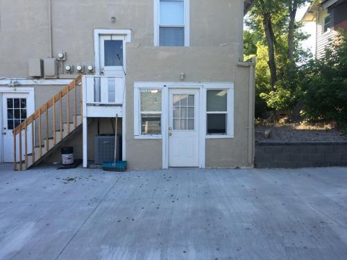 833 E 4th Street #NO PS Photo 1