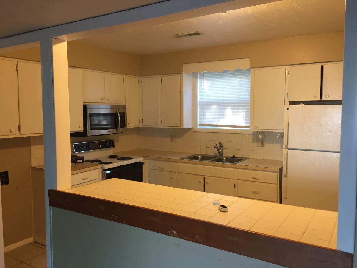 2452 Cedarwood Avenue, Lawrence, KS 66046 | HotPads