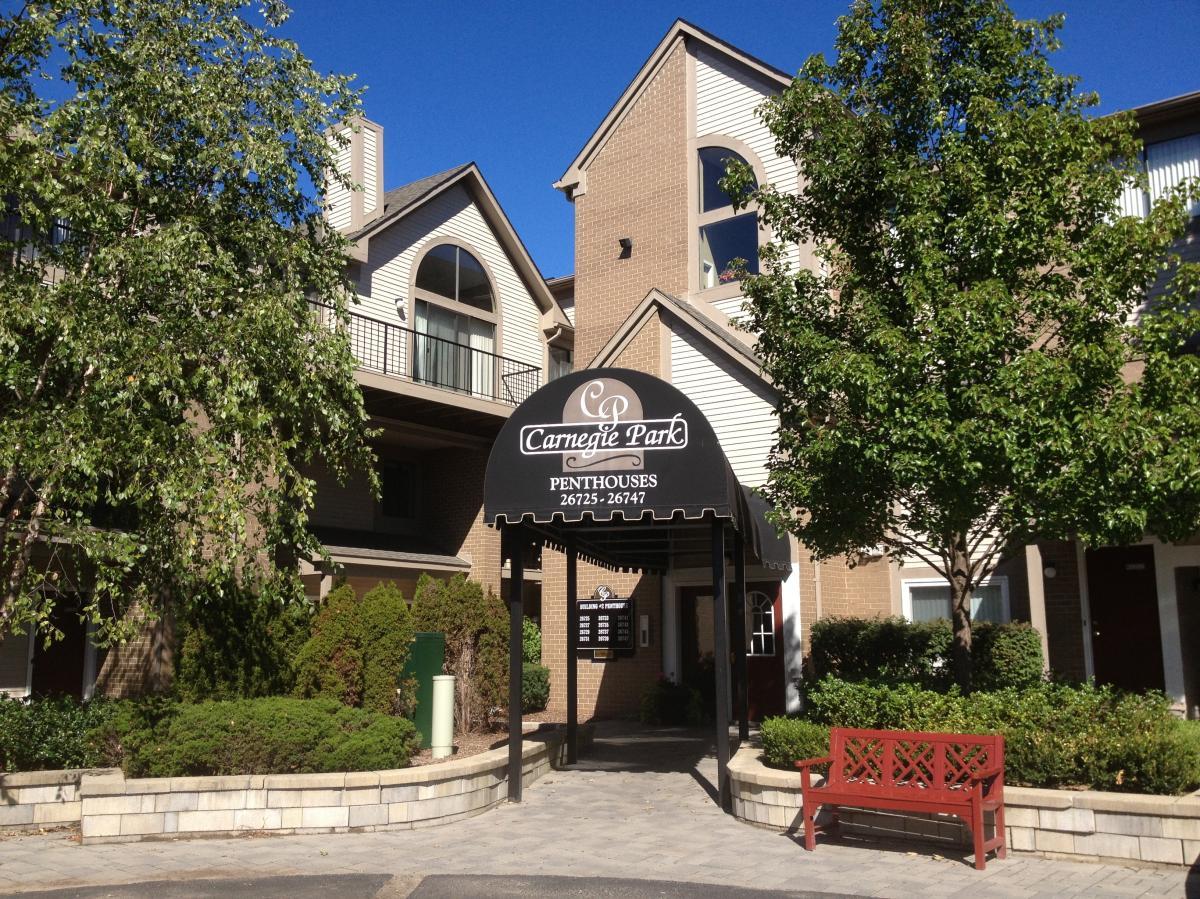 Apartment Unit Penthouse At 26731 W Carnegie Park Drive Southfield Mi 48034 Hotpads